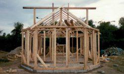2001.toamna.Construirea Bisericii de lemn